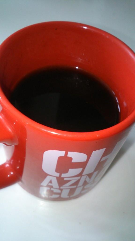 コーヒーをカップに入れたところ